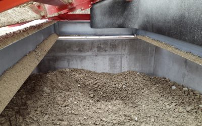 Inside view of the feed hopper